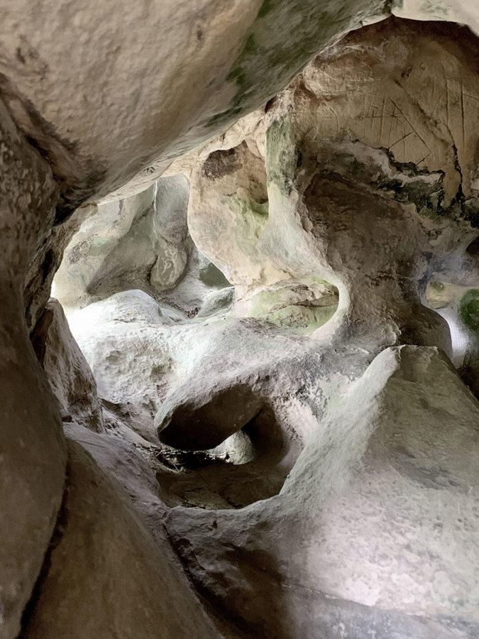 grottes rupestres cachées à fontainebleau