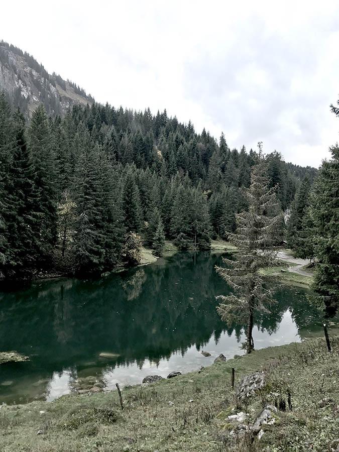 Lac d'altitude en montagne en haute-savoie séjour retour aux sources de wacohe
