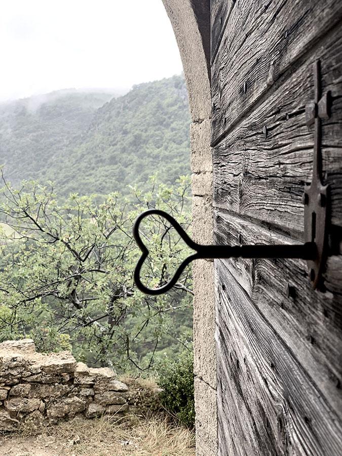 Porte de la chapelle séjour rando healthy sur-mesure par wacohe