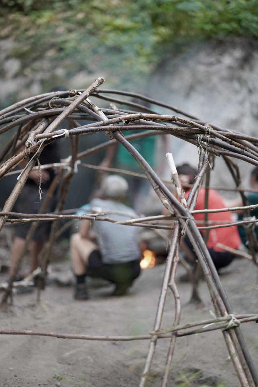 rituel de hutte de sudation des indiens lakota dans séjour nature bien être en montagne de wacohe dans le mercantour