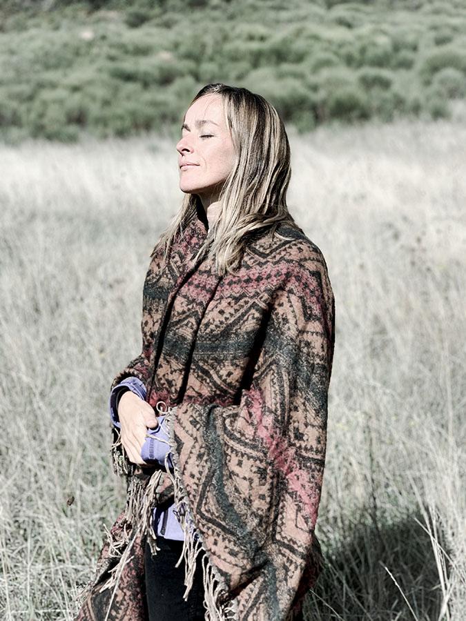 le soleil honoré par Aurélie fleschen naturopathe dans un séjour reliance aux éléments et au vivant en drôme avec wacohe