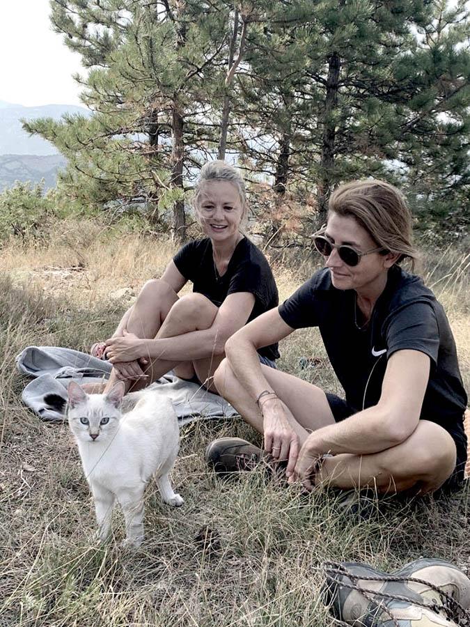 Chat en randonnées dans un séjour rando healthy sur-mesure par wacohe